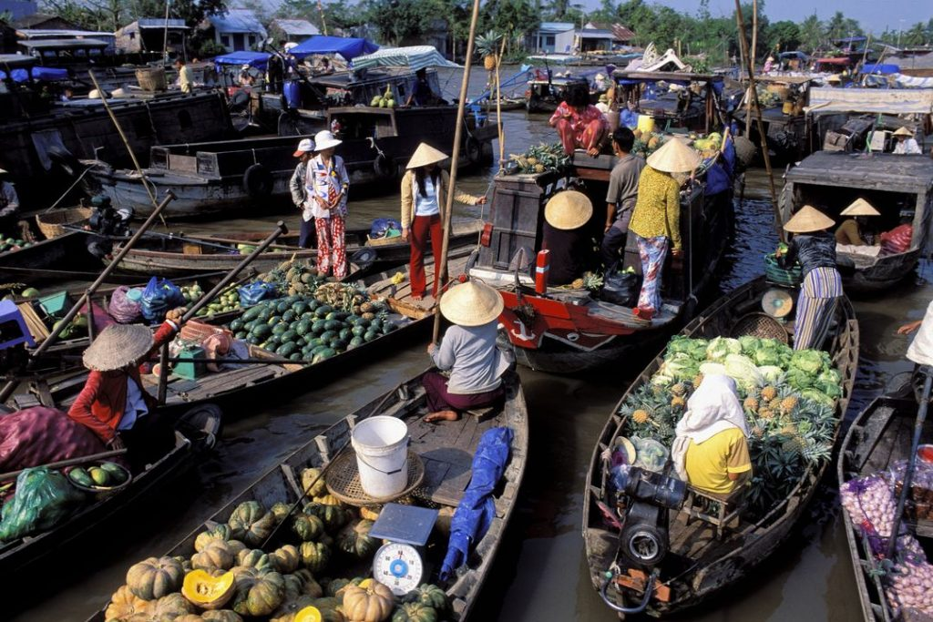 Cai Rang floating market – a feature in Mekong Delta